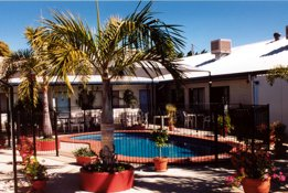 Peppercorn Motel  Restaurant - Accommodation Whitsundays