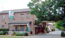 Cedar Lodge Motel - Accommodation Whitsundays