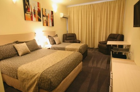 Adelaide Granada Motor Inn - Accommodation Whitsundays