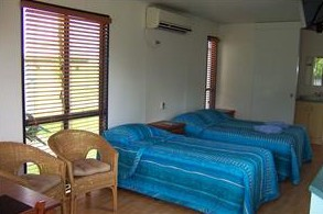August Moon Caravan Park - Accommodation Whitsundays