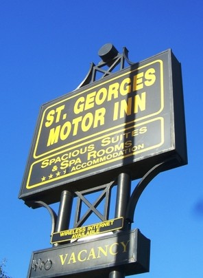 St Georges Motor Inn - Accommodation Whitsundays