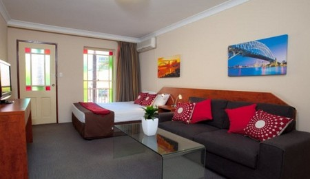 Central Railway Hotel - Accommodation Whitsundays