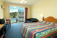 Clan Lakeside Lodge - Accommodation Whitsundays