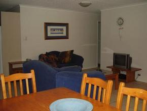 Beachfront Towers - Accommodation Whitsundays