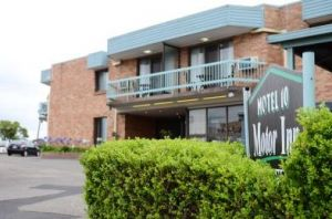 Motel 10 Motor Inn - Accommodation Whitsundays