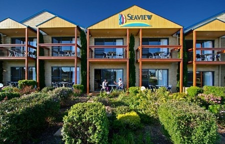 Seaview Motel  Apartments - Accommodation Whitsundays
