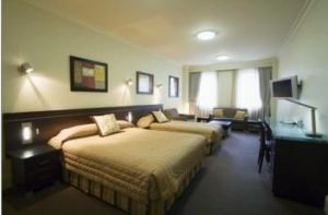 Hyde Park Inn - Accommodation Whitsundays