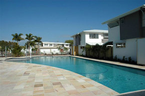 Coolum Villas - Accommodation Whitsundays