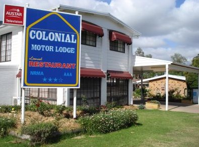 Colonial Motor Lodge - Accommodation Whitsundays