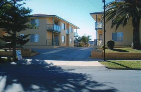 AA Madalena Court Holiday Apartments - Accommodation Whitsundays