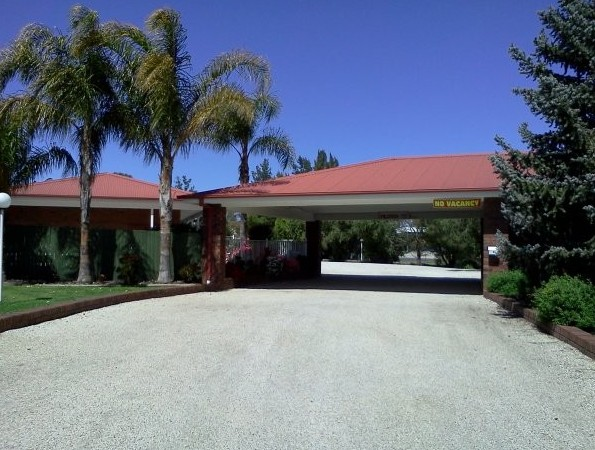 Golden Chain Border Gateway Motel - Accommodation Whitsundays