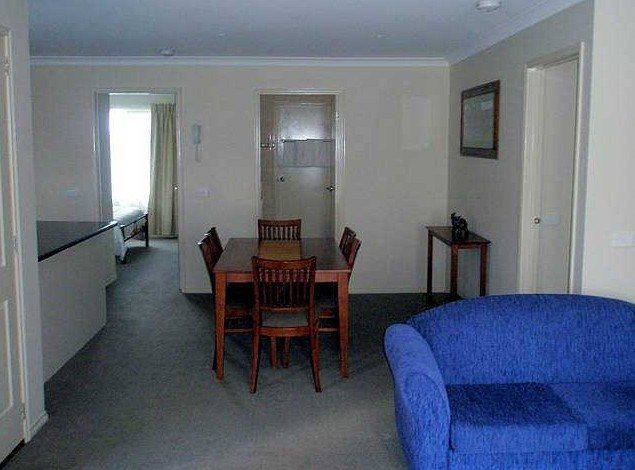 Victoria Lodge Motor Inn And Apartments - Accommodation Whitsundays