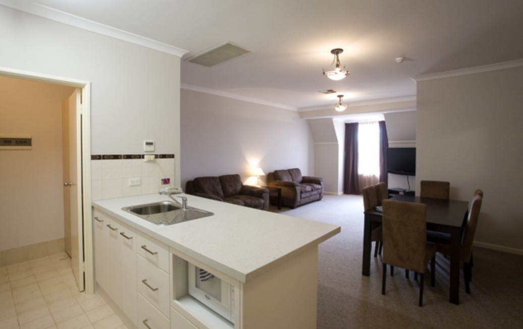 Regal Apartments - Accommodation Whitsundays