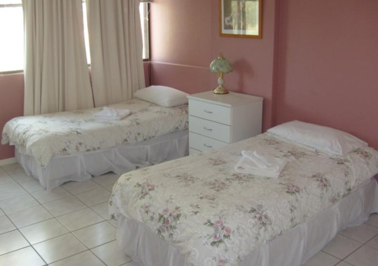 Queensleigh Holiday Apartments - Accommodation Whitsundays