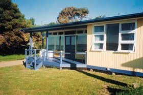 Eskavy Beach House - Accommodation Whitsundays