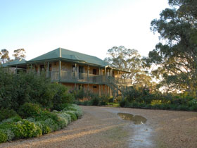 Lindsay House - Accommodation Whitsundays