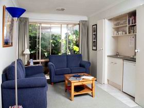 Bellevue Bed  Breakfast - Accommodation Whitsundays