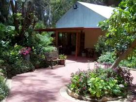 Rainforest Retreat - Accommodation Whitsundays