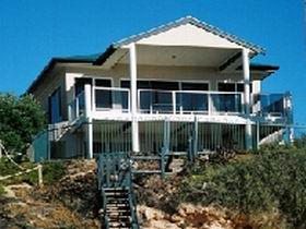 Top Deck Cliff House - Accommodation Whitsundays