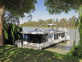 Moving Waters Self Contained Moored Houseboat - Accommodation Whitsundays