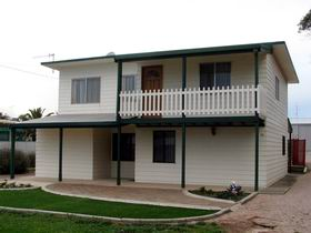 Louth Bay Holiday Apartment - Accommodation Whitsundays