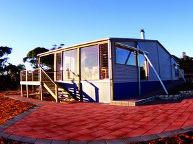 Wilderness Valley Studio Accommodation - Accommodation Whitsundays