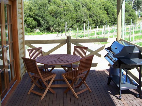 McLaren Ridge 3 - McLaren Ridge Log Cabins - Accommodation Whitsundays