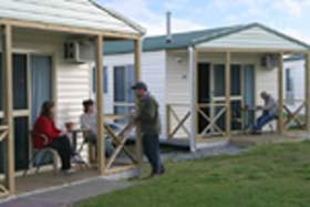 Discovery Holiday Parks Devonport Cosy Cabins - Accommodation Whitsundays