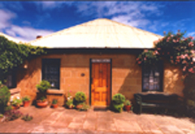 Hamilton's Cottage Collection and Country Gardens - Victorias Cottage - Accommodation Whitsundays