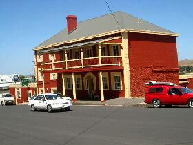 Stanley Hotel - Accommodation Whitsundays