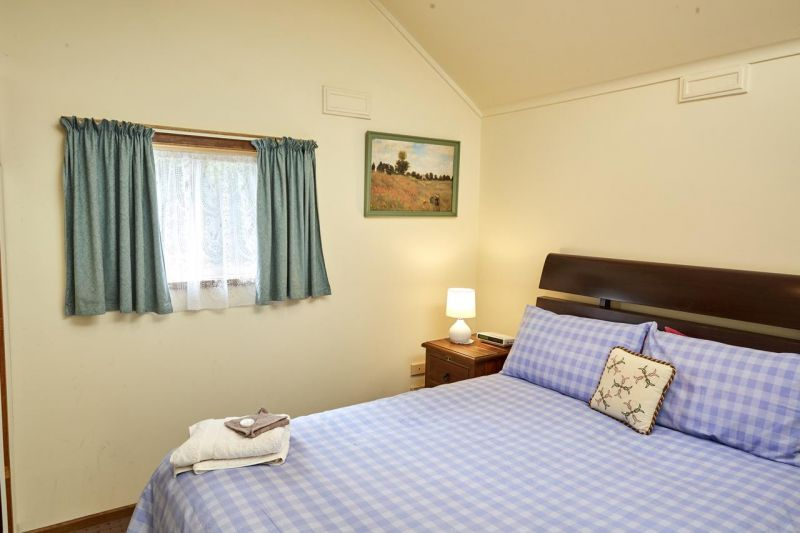 Bristol House Accommodation - Accommodation Whitsundays