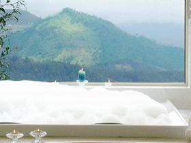 Artisan Spa Views Bed and Breakfast Cottage - Accommodation Whitsundays