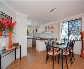 Magnus Street Treetops - Accommodation Whitsundays
