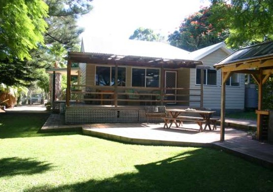 Pine Cottage - Accommodation Whitsundays