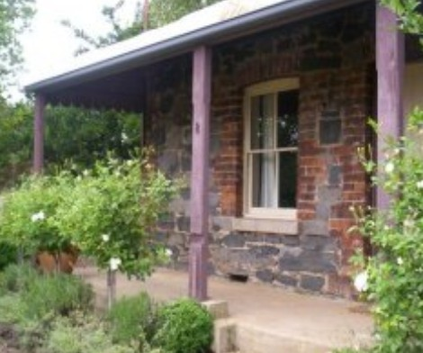 Accommodation Pinn Cottage - Accommodation Whitsundays