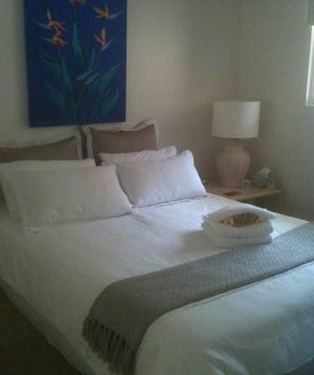Absolute Beachfront Manly Bed and Breakfast - Accommodation Whitsundays