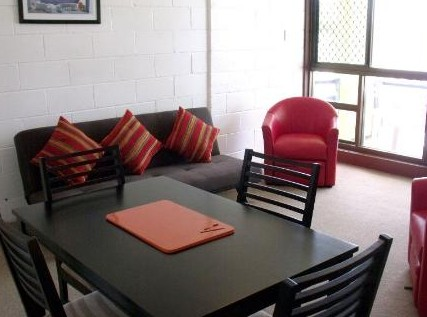 Como Holiday Apartments and Tropical Nites Motel - Accommodation Whitsundays