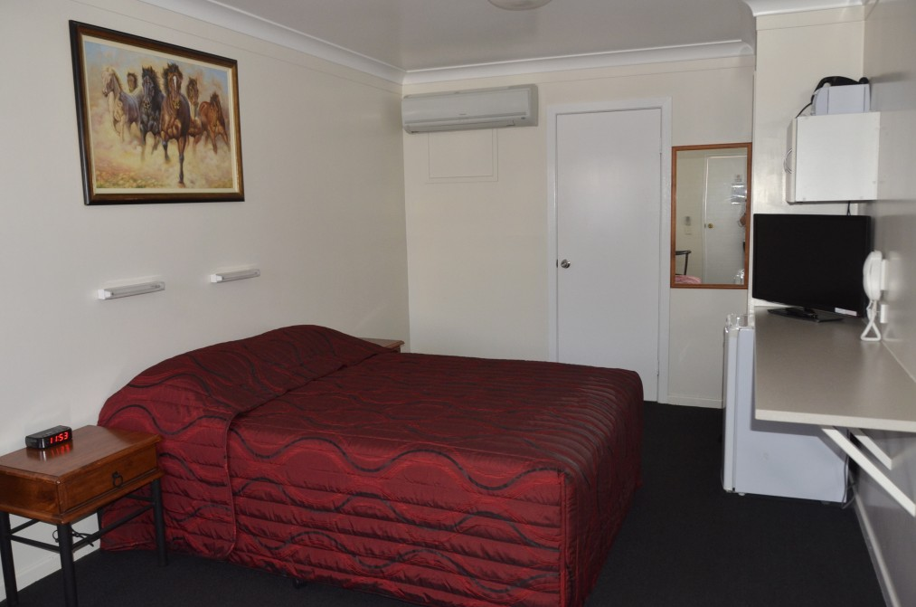 Waltzing Matilda Motor Inn - Accommodation Whitsundays