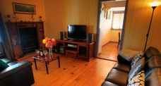 Apple Blossom Cottage - Accommodation Whitsundays