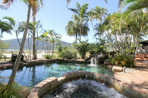 Best Western Colonial Palms Motor Inn - Accommodation Whitsundays