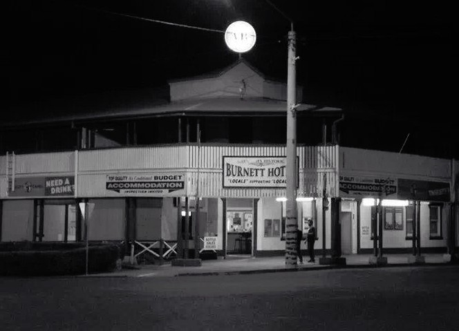 Burnett Hotel - Accommodation Whitsundays