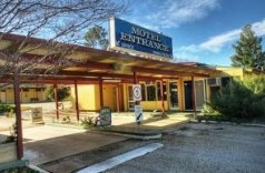 Barclay Gardens Motor Inn - Accommodation Whitsundays