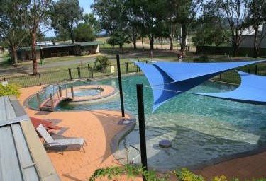 Valley Vineyard Tourist Park - Accommodation Whitsundays