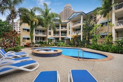 Surfers Beach Holiday Apartments - Accommodation Whitsundays