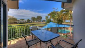 Dolphin Waters Holiday Apartments - Accommodation Whitsundays
