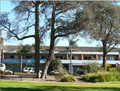 Huskisson Beach Motel - Accommodation Whitsundays
