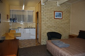 Coastal Comfort Motel - Accommodation Whitsundays