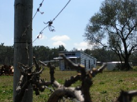 Ridgemill Escape - Cabins In The Vineyard - Accommodation Whitsundays