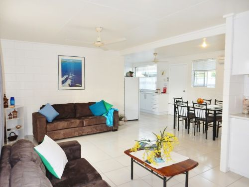 Lucinda Holiday Rentals  - Accommodation Whitsundays