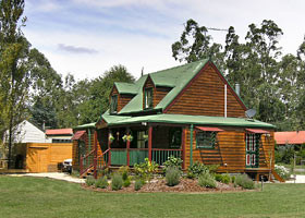 Mystic Mountains Holiday Cottages - Accommodation Whitsundays